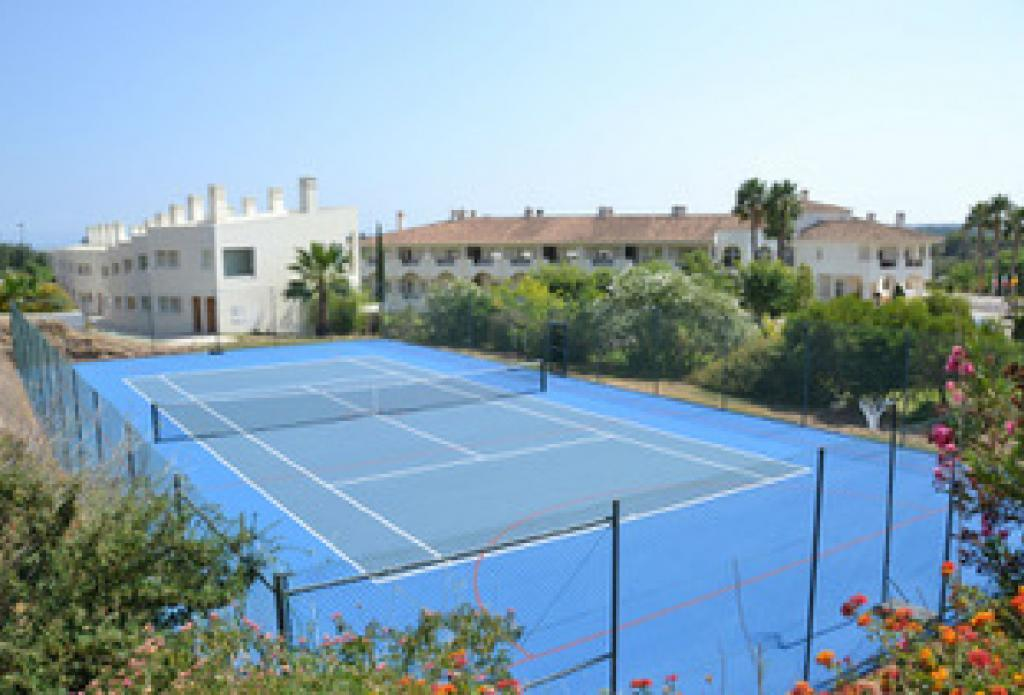 Tennis court in the Algarve
